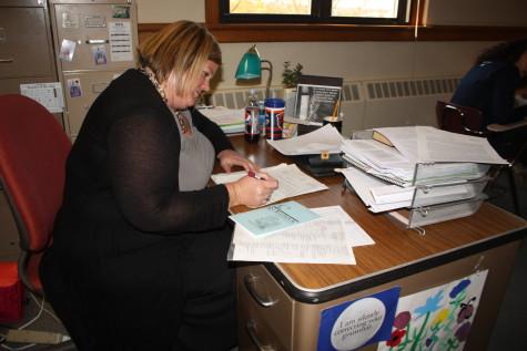 Distinguished English teacher pursues passion, improves students' writing skills