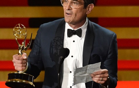 Modern Family's Actor Ty Burrell receives Emmy for Outstanding Comedy Series