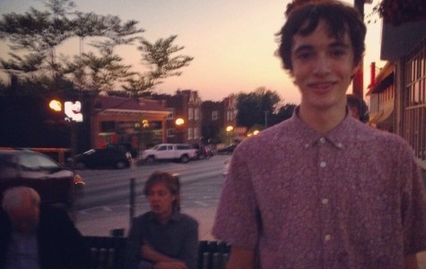 Central student takes highly-publicized picture of friend in front of Buffett and McCartney, gains fame for a day