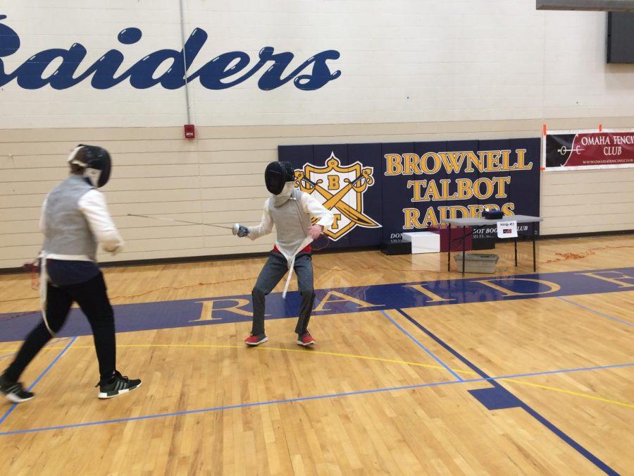 Sophomores find fulfillment in fencing, compete around Nebraska