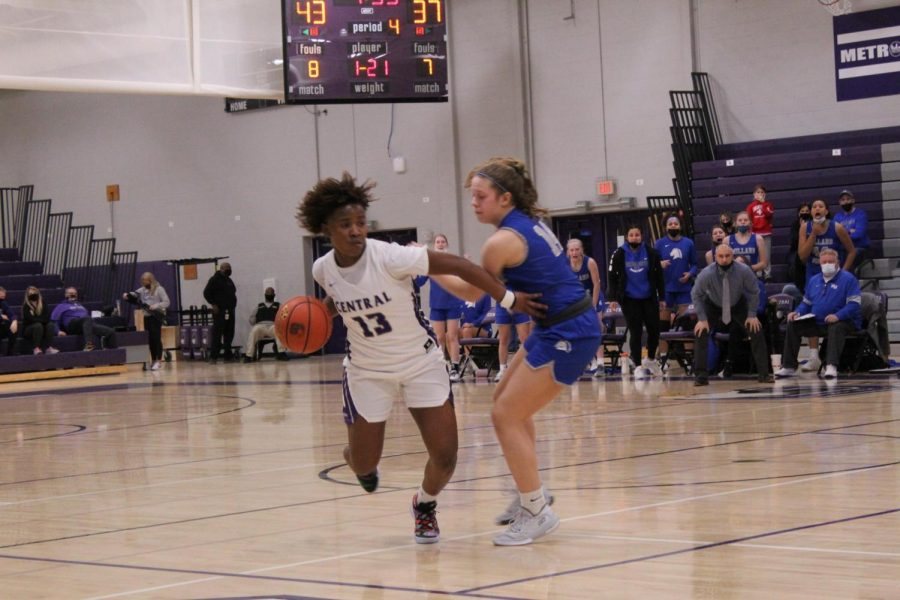 'Resilient' girls basketball ranked 16th, despite no preconditioning season