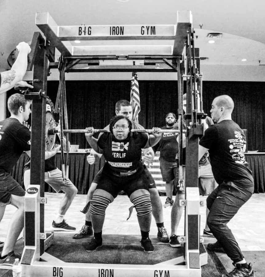 Powerlifting freshman shows promise, breaks two records during first practice